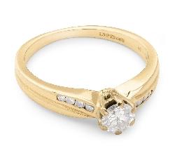 """Золотое кольцо с драгоценными камнями """"Грациозность 23"""""""