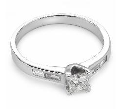 """Помолвочное кольцо с алмазами """"Грациозность 19"""""""