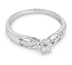 """Помолвочное кольцо с алмазами """"Жизнь 18"""""""