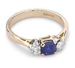 """Zelta gredzens ar dārgakmeņiem """"Safīrs 18"""""""