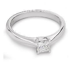 """Помолвочное кольцо с Aлмазом """"Принцесса 32"""""""