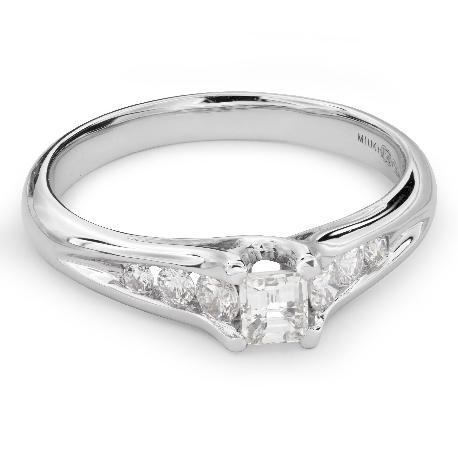 """Помолвочное кольцо с алмазами """"Грациозность 105"""""""