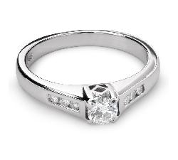 """Zelta gredzens ar briljantiem """"Graciozitāte 111"""""""