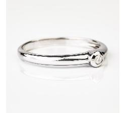 """Помолвочное кольцо с бриллиантом """"Объятная"""""""