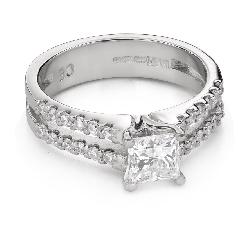 """Помолвочное кольцо с алмазами """"Принцесса 93"""""""