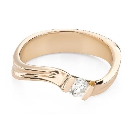 """Saderināšanās gredzens ar Briljantu """"Mīlestības apskāvienos 65"""""""