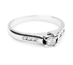 """Zelta gredzens ar briljantiem """"Graciozitāte 17"""""""